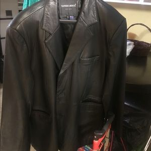 Grain leather black coat